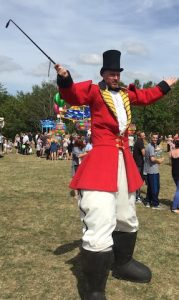 circus-performer-at-astleyfest