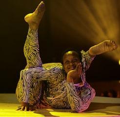 contortionist-gandeys-circus