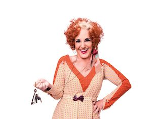 lesley-jospeh-as-miss-hannigan-in annie