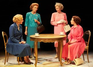 handbagged-cast-new-vic-theatre