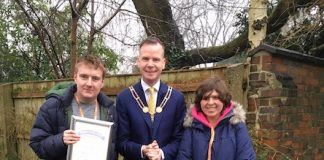 Mayor-of-Newcastle-under-Lyme-Simon-White-with-writers-of-poem-at-Brampton-Park