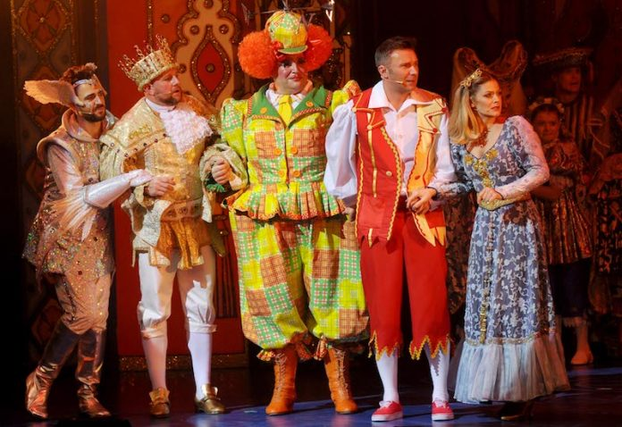 Cast-of-Sleeping-Beauty-panto-at-the-regent-2019