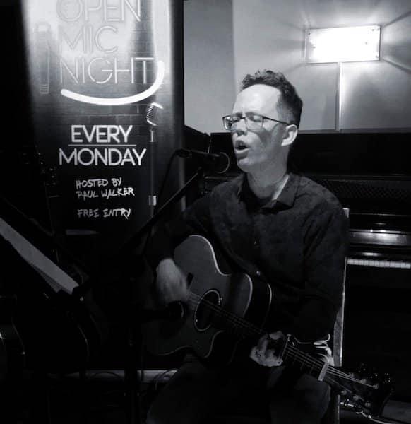 Jamie-Summerfield-singing-at-Granvilles-Stone-2019